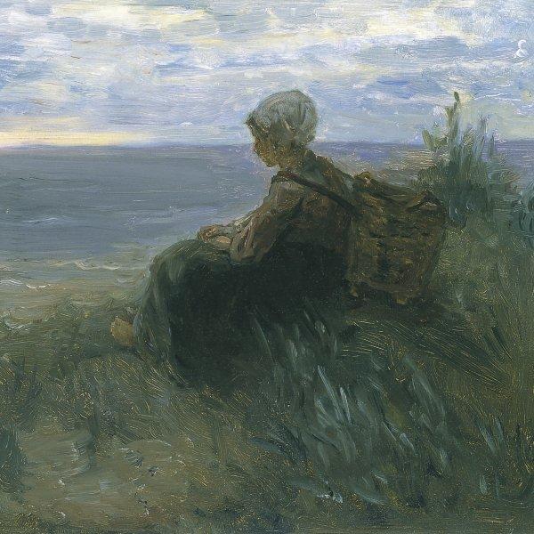 Mujer de un pescador oteando el horizonte sobre una duna