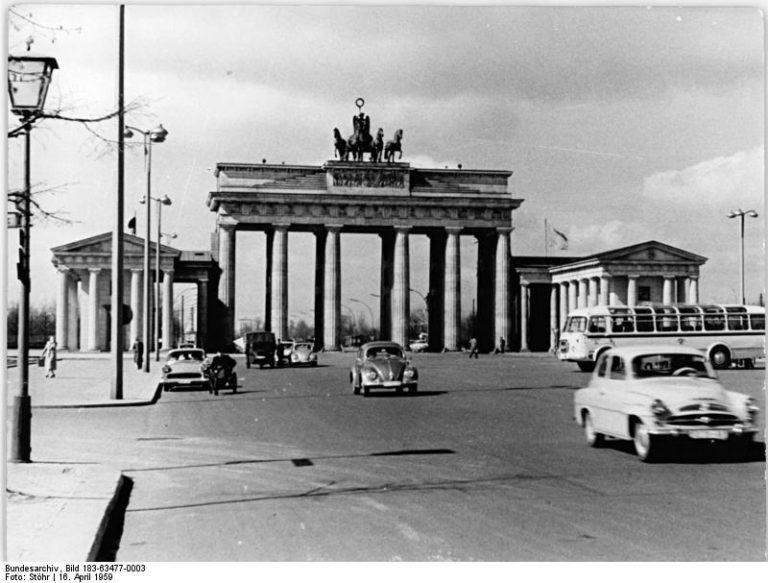 Zentralbild Stöhr Ho. 16.4.1959 Berlin: Stadtansichten von Berlin. Brandenburger Tor